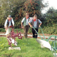 The Mangledwurzels hard at work on the Animal Farm Adventure Farm in Berrow (27 Aug 2007)
