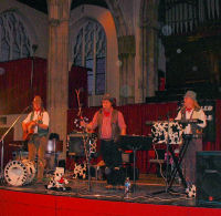 The Mangledwurzels performing in the might of St. Andrews' Hall, home of The Norwich Cider Festival (29 Jun 2007)