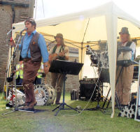 The Mangledwurzels at the 22nd Annual Sherston Boules Day (14 July 2007)